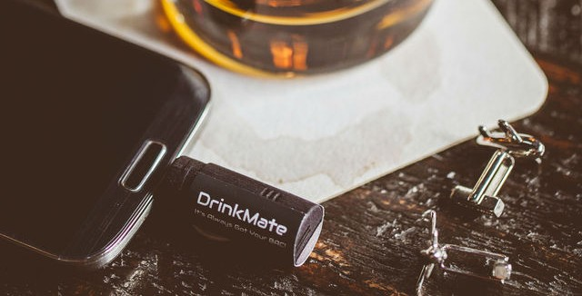 DrinkMate: the 3D Printed Tiny Breathalyzer | Sculpteo Stories