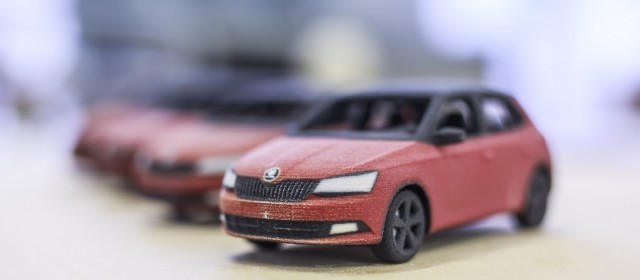 ŠKODA France 3D prints little Fabias!