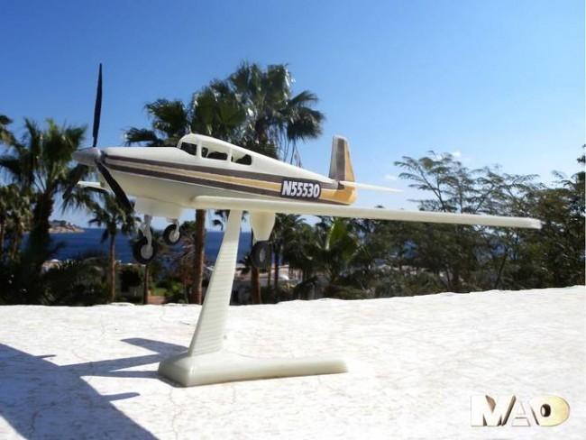 touritic plane model pinshape mao