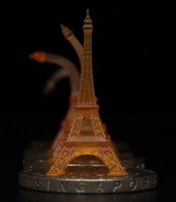 3D printed shape memory Eiffel tower recovering its original shape upon heating