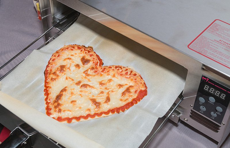 Source: http://www.businessinsider.fr/us/beehex-pizza-3d-printer-2017-3/