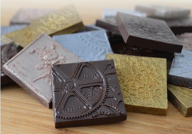 https://www.confectionerynews.com/Article/2015/03/02/3D-chocolate-molds-add-intricate-detail-Lehrmitt-Design-Studios