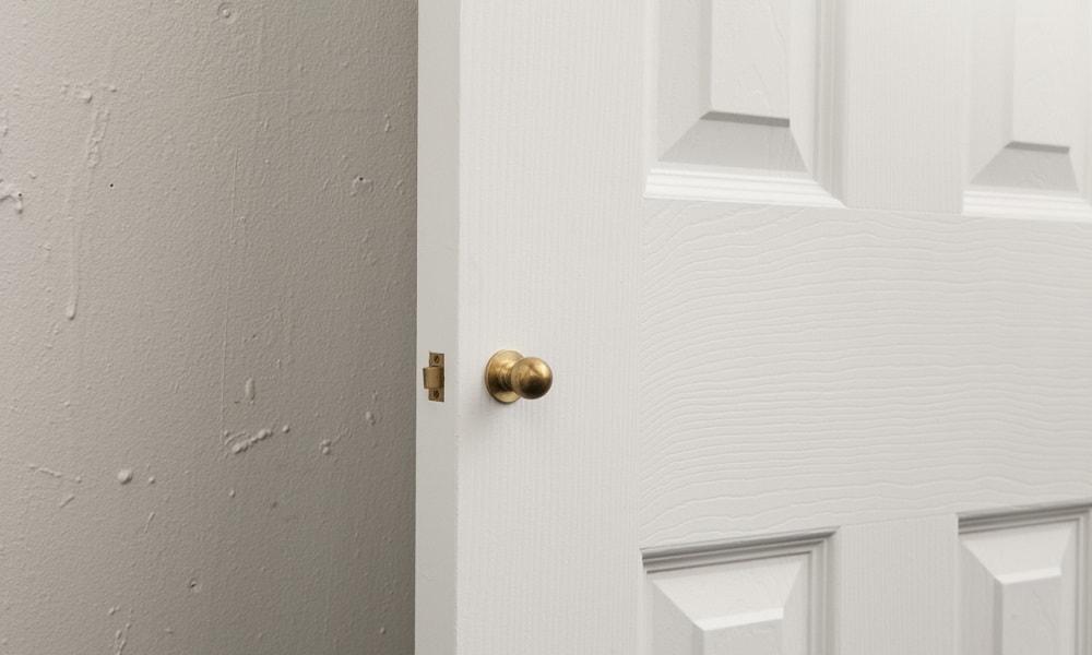 Impractical doorknob challenge