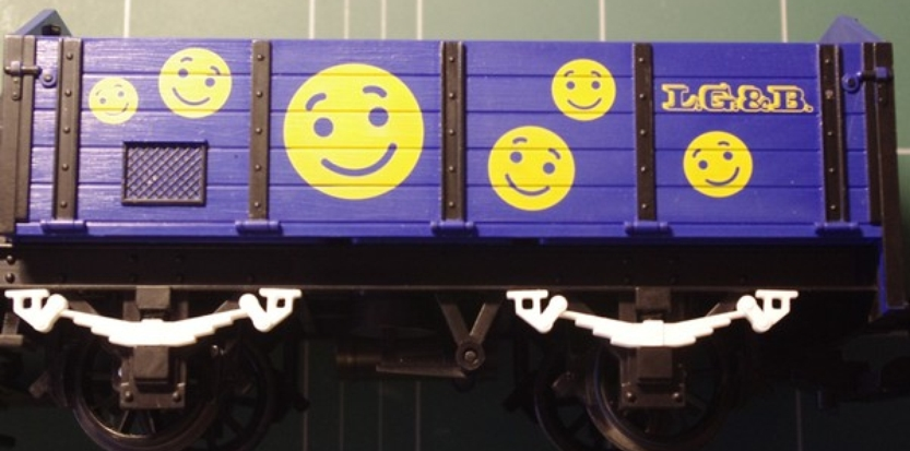 /media/picture/thumb/2013/10/27/KcdW/lame-ressort-pour-lgb-toys-train-2_size_833x413.JPG