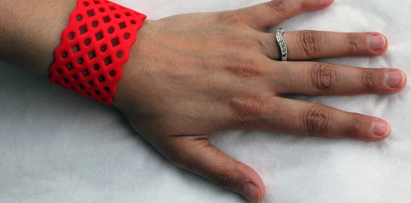 /media/picture/thumb/2014/07/17/LUPo/bracciale-m-rosso-4_size_833x413..jpg