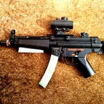 /media/picture/thumb/2015/01/13/FlIC/white-rail-installed-on-mp5-small_size_410..jpg