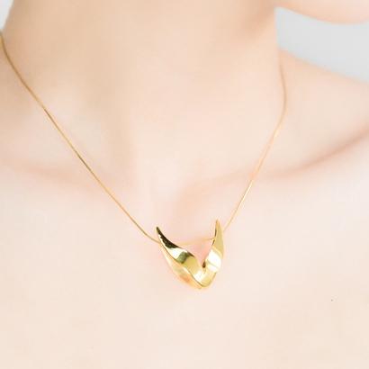 sWINGS : SOLID, pendant