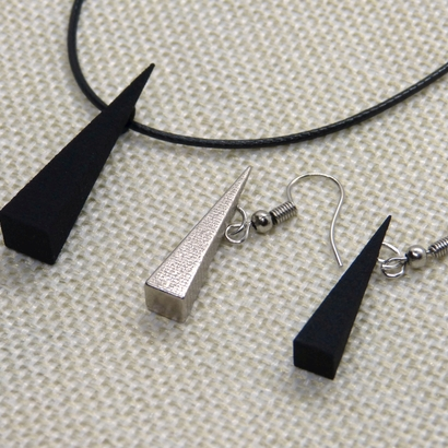 Pyramidal pendant & earrings