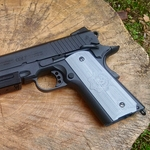 /media/picture/thumb/2019/12/15/cueO/black-version-on-colt-1911-left-side-small_size_410..jpg