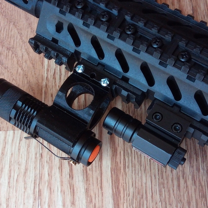 Lowered Fast Detach Rail Mount for Mini Cree Flashlight Torch